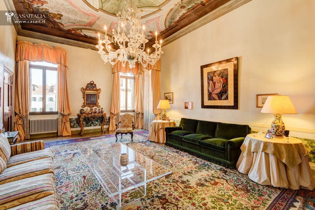 Venezia appartamento in vendita nel centro storico for Vendita appartamenti centro storico roma