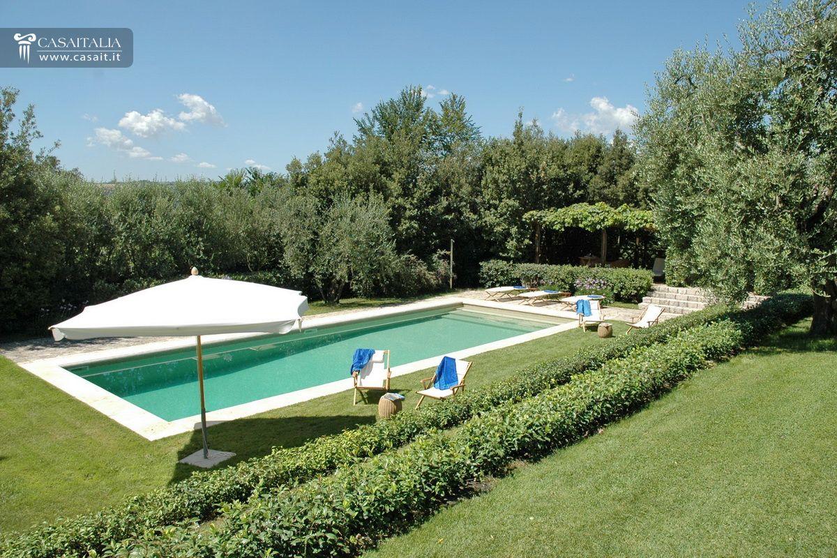 Casale con piscina e uliveto in vendita a orvieto - Piscina a sale ...