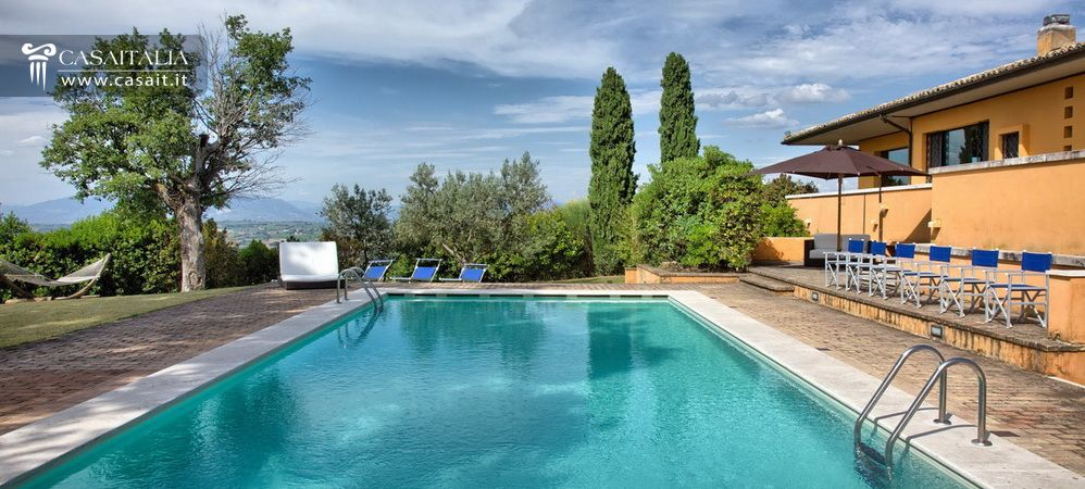 Villa for sale near Montefalco - Umbria